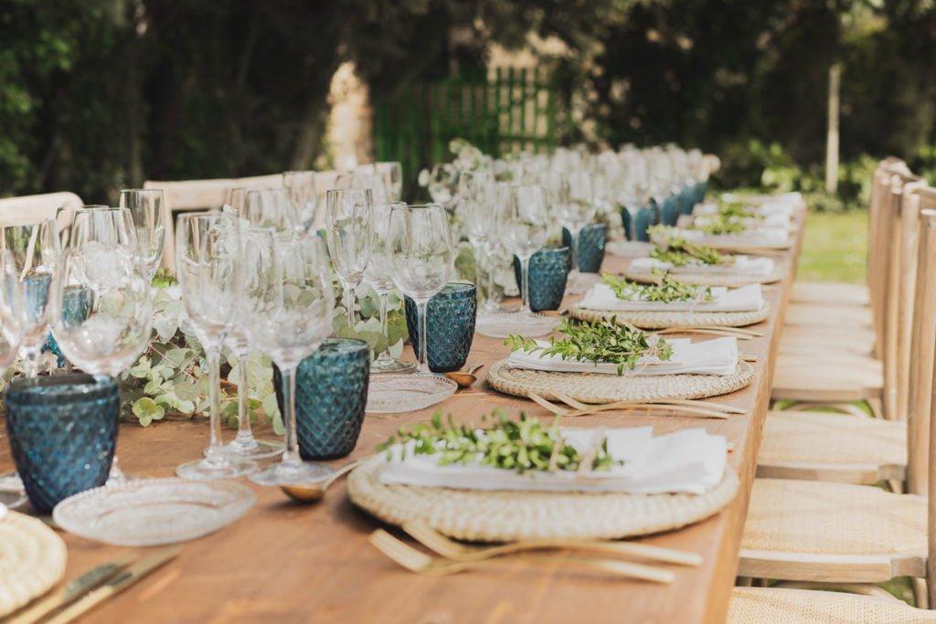 Can Macià montaje mesa boda exterior Barcelona Igualada